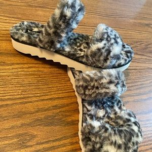 Koolaburra by UGG Faux Fur Cheetah Slides